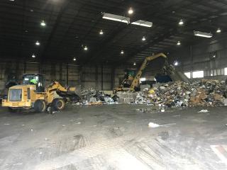 Ecogas: 2 Cat Excavators